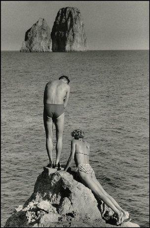 CAPRI, Italy—1955. © Herbert List   Magnum Photos   vintage   swimmers   lovers   ocean   summer fun   bathers   1950's