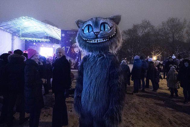 Первые минуты 2017 - веселится и гуляет весь народ... Москва парк Воронцово.