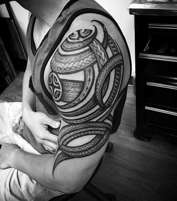 23 Trendy Hip Tattoos That Are Actually Badass: 1000+ Ideas About Tribal Arm Tattoos On Pinterest