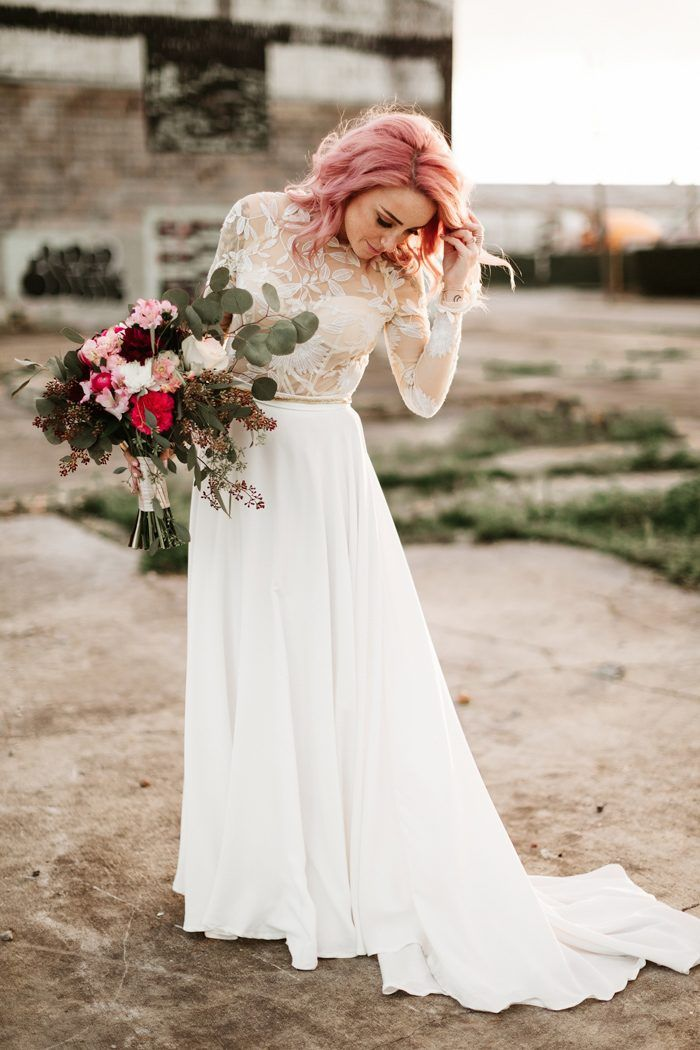Tip 5: Buy your dress off the rack or online! There are so many great alternatives to custom wedding dresses these days. | Image by Lauren Scotti  #weddingplanning #weddingplanningtips #bride #bridalstyle #bridalfashion #weddingdress #bridalinspo #bridalinspiration