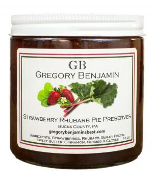 Skip the effort of firing up the oven and enjoy the fresh taste of strawberry rhubarb pie straight from a jar. This sweet and juicy jam from an award-winning Pennsylvania producer is to die for slathered on cream biscuits or scones.