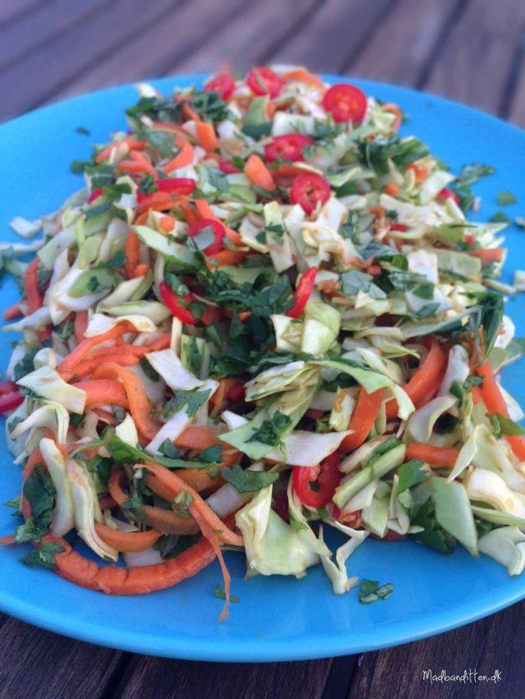Spicy spidskålsalat – thai style