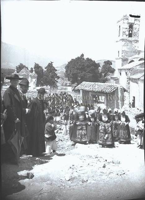 Processione ad orgosolo 1906 in uno scatto di Thomas Ashby