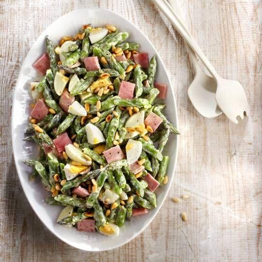 Boodschappen - Groene aspergesalade met gekookt ei en ham