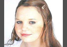 31-Oct-2013 17:21 - KIND VERMIST VANAF 30 OCT: SAVANNAH OTTEN. Savannah is weggelopen van huis. Ze heeft een stevig postuur, groen/bruine ogen, een litteken van ca. 2 cm op haar voorhoofd, een piercing in haar lip en gaatjes in beide oren. Op de dag van haar verdwijning was zij vermoedelijk gekleed in een zwart lederen bomberjack, een spijkerbroek en witte halfhoge gympen. Een ieder die informatie heeft over de huidige verblijfplaats vanSavannah wordt verzocht contact op te nemen met...