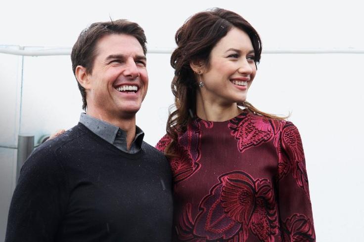 Tom Cruise and Olga Kurylenko at event of Oblivion