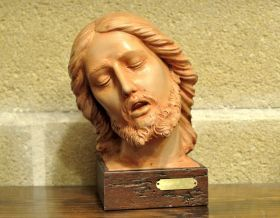 Statue Head of the dead Christ Bust of the dead Christ, made of terracotta, entirely hand-made. #madeinitaly #artigianato