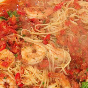 Shrimp Fra Diavolo with Linguini | Rachael Ray Show