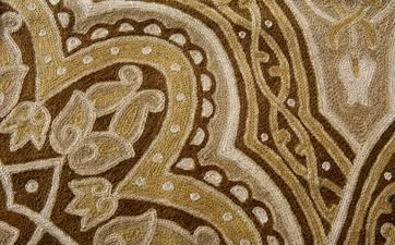 Great particular of Chainstich carpet by ABC Italia Tappeti in morbida lana kashmir realizzati a punto catenella fatta a mano e foderati in cotone