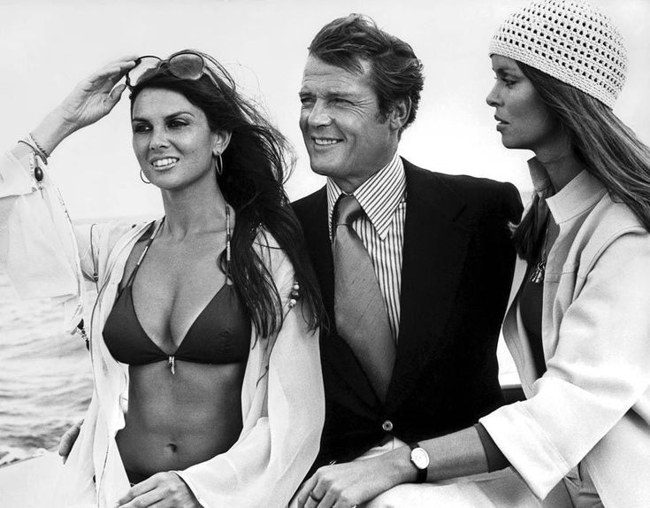 Caroline Munro Roger Moore Barbara Bach Bond girls - https://johnrieber.com/2016/06/19/caroline-munro-from-sex-kitten-to-vincent-price-to-bond-girl-a-maniac-too/