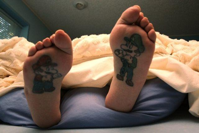 mario brothersVideos Games, Hilarious Videos, Book Nooks, Feet Tattoo, Super Mario Brother, Tattoo Design, A Tattoo, New Tattoo, Mario Bros