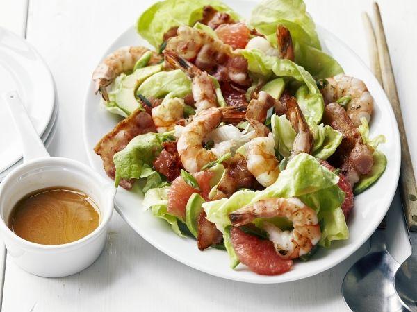 Salade van scampi's, pompelmoes en avocado met spek-citrusvinaigrette (Libelle Lekker!)