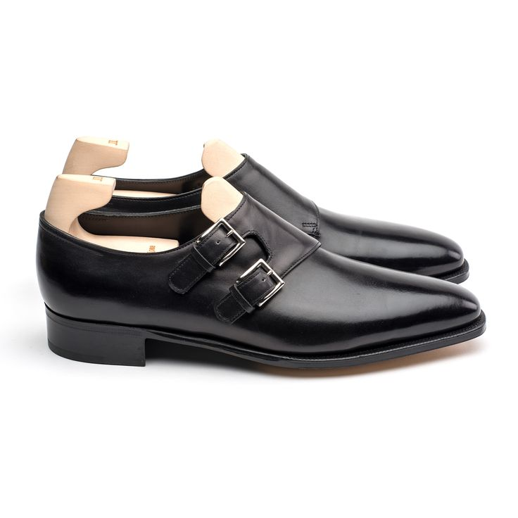 The Chapel is fashioned from a single piece of leather with no back seam, parallel buckles, squared toe and sweeping lines. It comes supplied with a shoe tree....