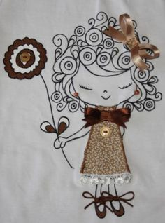 camiseta pintada a mano con aplicaciones camiseta pintada a mano con aplicaciones fieltro telas botones,abalorios pintura textil,puntillas lazos cordones pintura textil con pincel,cosida  a mano