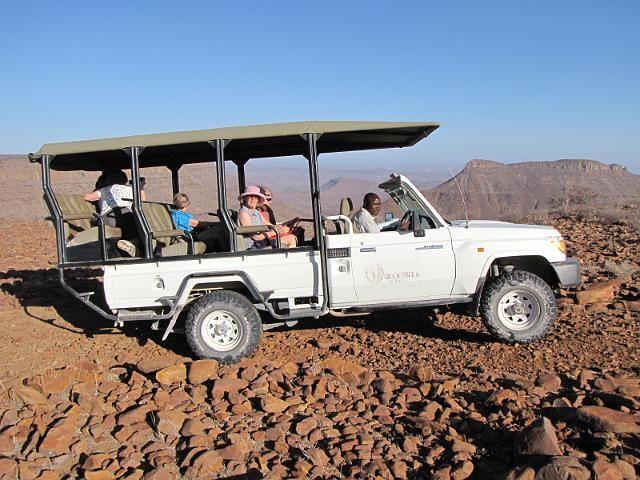 Sunndowner tour on the Grootberg Plateau