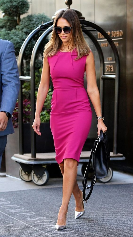 Pinkes Kleid kombinieren: Welche Schuhe passen zum rosa ...