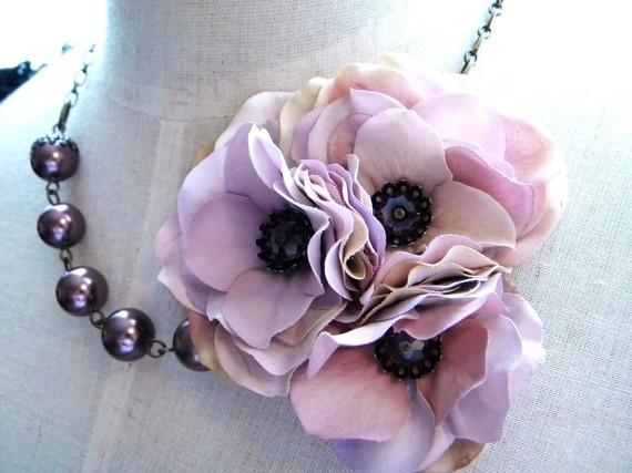 Corsage statement necklace