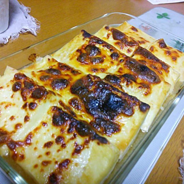 なぜ、ただの「豆腐」が選べないのかしら(^o^) 木綿豆腐、白菜、玉ネギ、白味噌、みりん、お水、チーズで構成されてます。 美味しかったですよ♪ - 14件のもぐもぐ - 水切り豆腐の味噌グラタン by Iwachaki