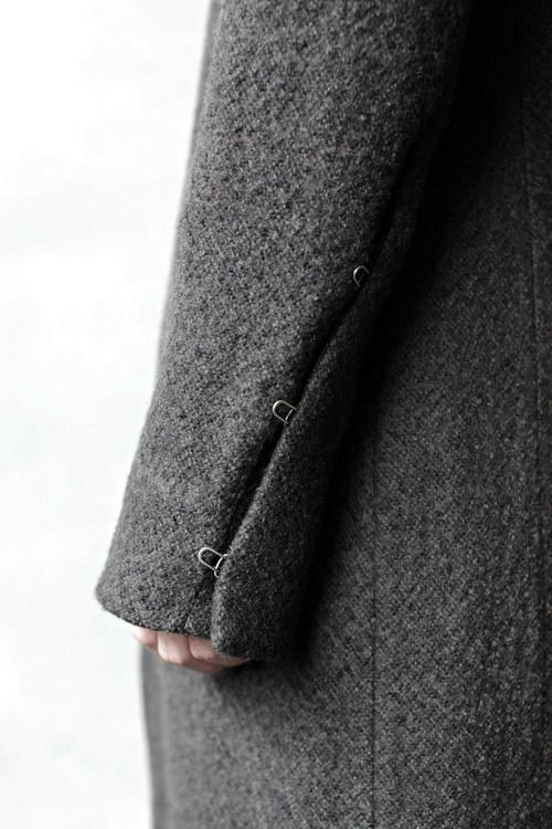 sleeve closure detail--InAisce