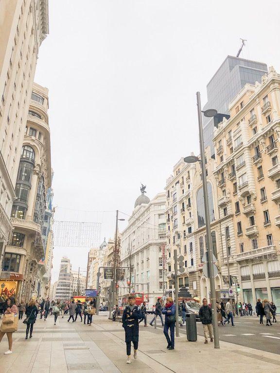 Gran Via Madrid Madrid Inverno Madrid Espanha Roteiro Madri Madri Espanha Madri Inverno O Que Fazer Em Madri Madri Cidade M Madri O Turista Espanha Madri