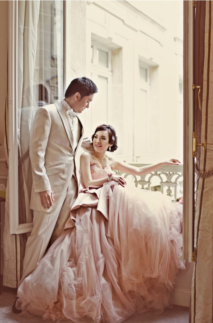 Bridal Portraits In France With 4 Diffe Wedding Dresses Axioo Photography