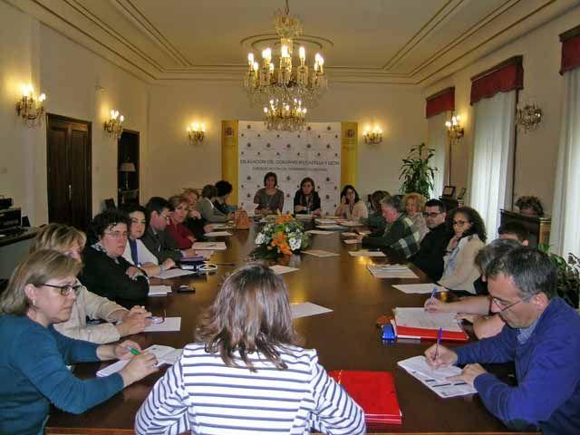 Los fondos derivados del IRPF 2012 se distribuyen en Segovia para la financiación de los proyectos solidarios y de inserción social http://revcyl.com/www/index.php/sociedad/item/3592-los-fondos-derivados-del-irpf-2012-se-distribuyen-en-segovia-para-la-financiaci%C3%B3n-de-los-proyectos-solidarios-y-de-inserci%C3%B3n-social