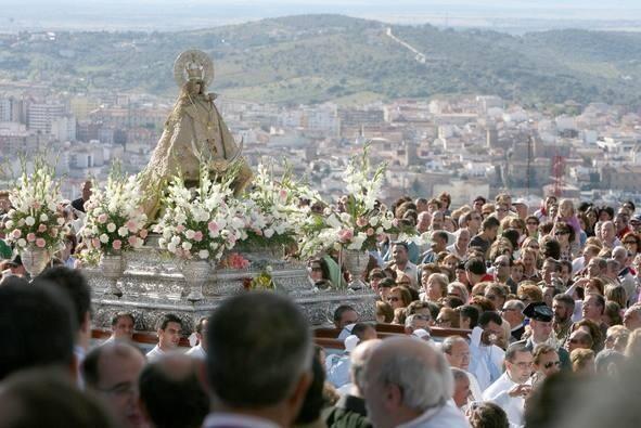 siestatime. Luego estudio y recibir a nuestra patrona...¡¡Viva la Virgen de la Montaña!!