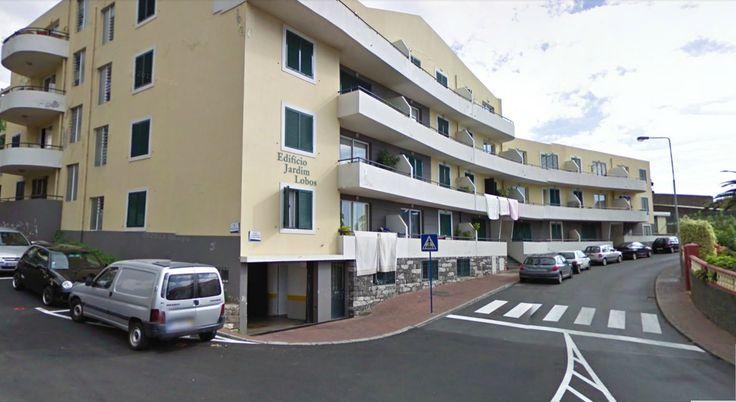 Apartamento T2 em Câmara de Lobos, próximo ao Super Sá. No 2º andar, com varanda, arrecadação e estacionamento em garagem. Preço 76.000€ facilidades de pagamento, financiamento a 100% Venha visitar, ligue 963701529 Visite-nos em www.decisoesvibrantes.com