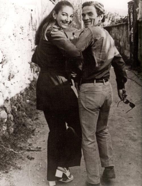 Maria Callas and Pier Paolo Pasolini, Napoli, September 1970. (via @novalis e @MGiacomel on Twitter)