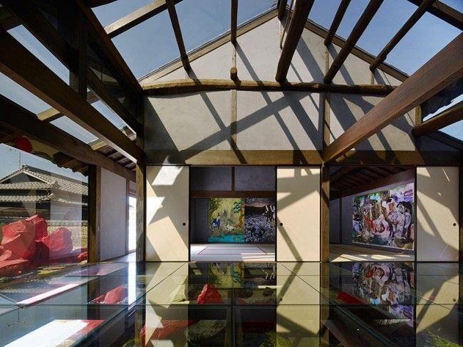 Japanisches Museum moderne Kunst-Spiegel Fläche-Dachkonstruktion Offen