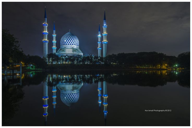 The Jewel of Shah Alam by Nur Ismail Mohammed on 500px. The Sultan Salahuddin Abdul Aziz Shah Mosque was commissioned by the late Sultan Salahuddin Abdul Aziz, when he declared Shah Alam as the new capital of Selangor on 14 February, 1974. Construction began in 1982 and finished on 11 March, 1988.