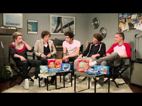 One Direction talks about their upcoming 2013 North American Tour, sponsored by Nabisco. THIS IS SO STINKIN CUTE!!!!!!!!!!! I LOVE THEM SO MUCH.
