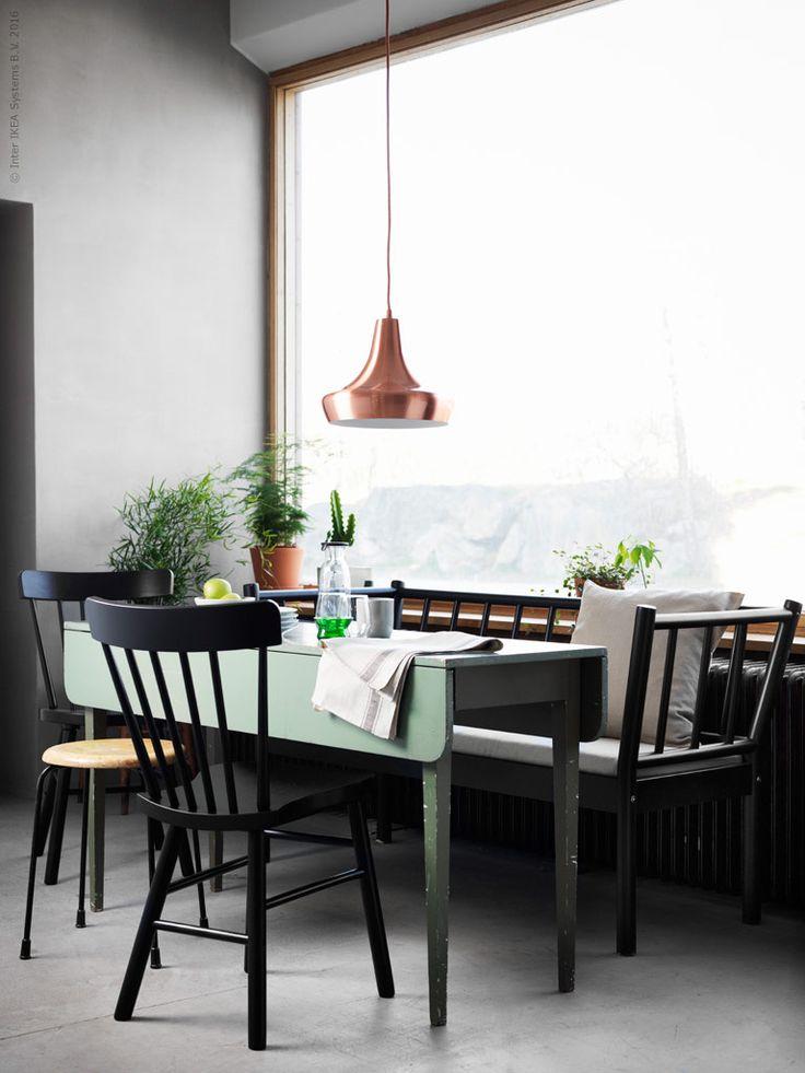 Harmoni och stimulans. Inred en generös arbetsplats för två och jobba ihop, eller sida vid sida. Ett tips är att placera arbetsbordet framför fönstret för maximal ljusterapi.