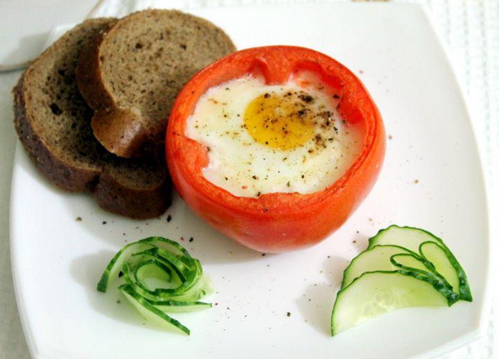 Яичница в помидорах - рецепт - как приготовить - ингредиенты, состав, время приготовления - Леди Mail.Ru