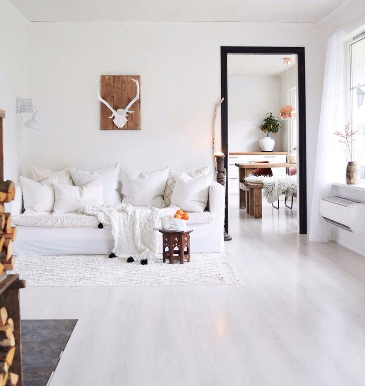 Relaxing corner livingroom  White simple