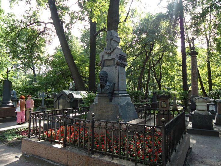 Достоевский Федор Михайлович,надгробие Скульптор Н.А. Лаверецкий