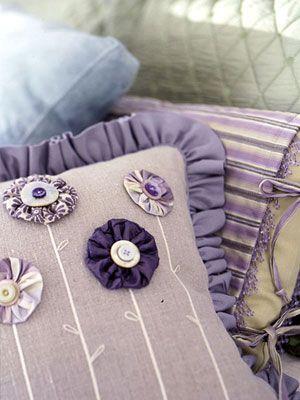 Yoyo, Button & stem stitch Flowers
