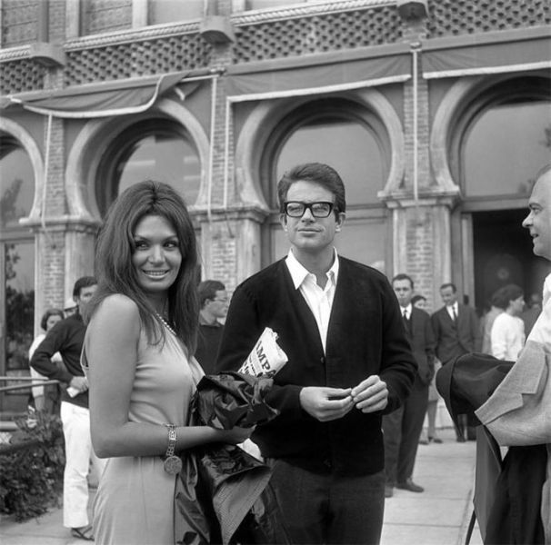 Warren Beatty in Venice, 1965. Actor and director Warren Beatty with a girlfriend poses near the Hotel Excelsior during the Venice Film Festival.