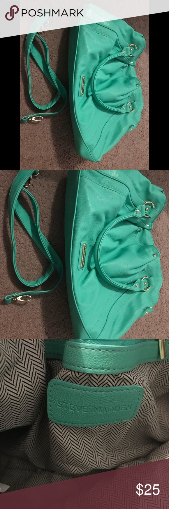 Steve madden purse Like new worn one time very cute Steve Madden Bags Shoulder Bags