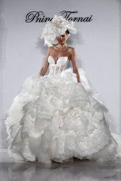 Pnina Tornai Kleinfeld Style 4152 Wedding Dress - Nearly Newlywed Wedding Dress Shop