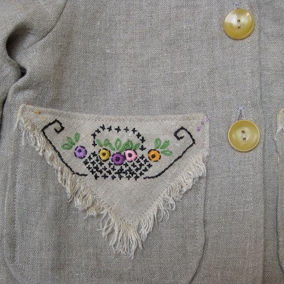 Chaqueta adorable 100% natural lino bolsillo doble ligero. Cuello Peter pan, enrollar las mangas y fácil ajuste. Forrado en rayas de la tela cruzada