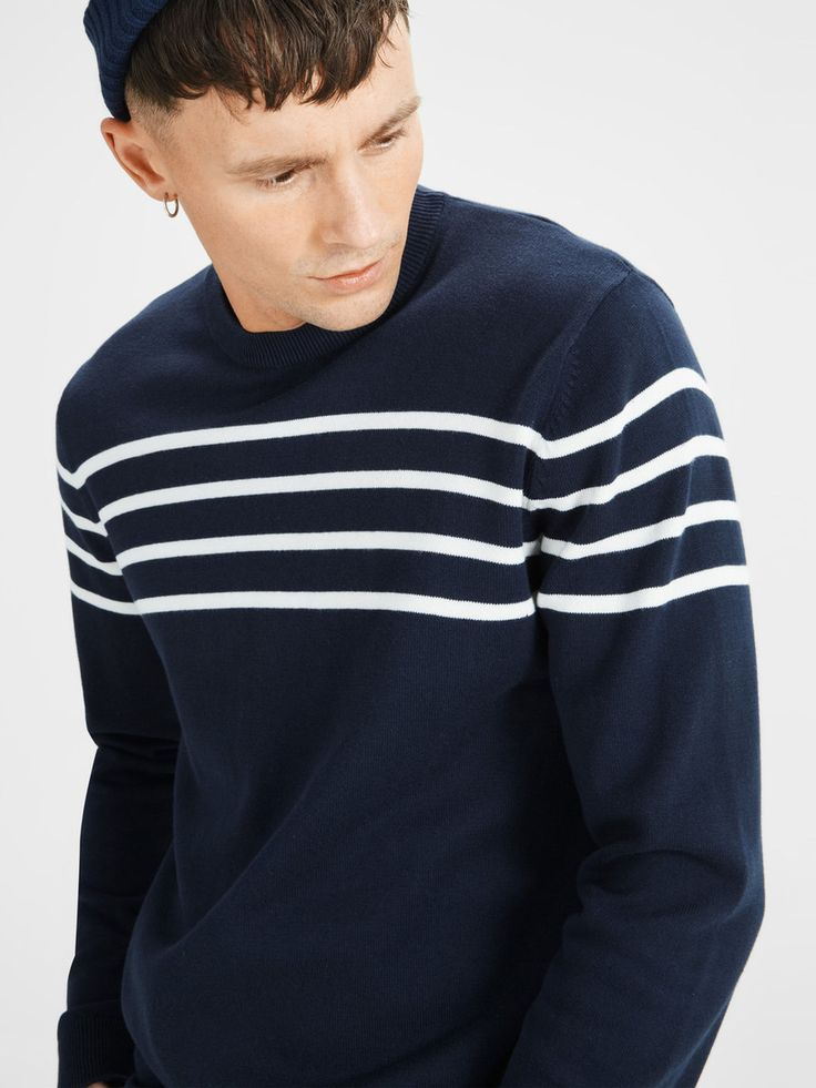 Navy sweater with white striped details on the chest and sleeves. A casual formal touch for a guy's wardrobe | JACK & JONES