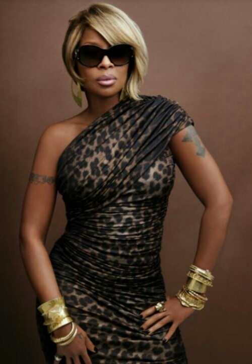 love love love Mary J Blige, one of my most favourite singer....