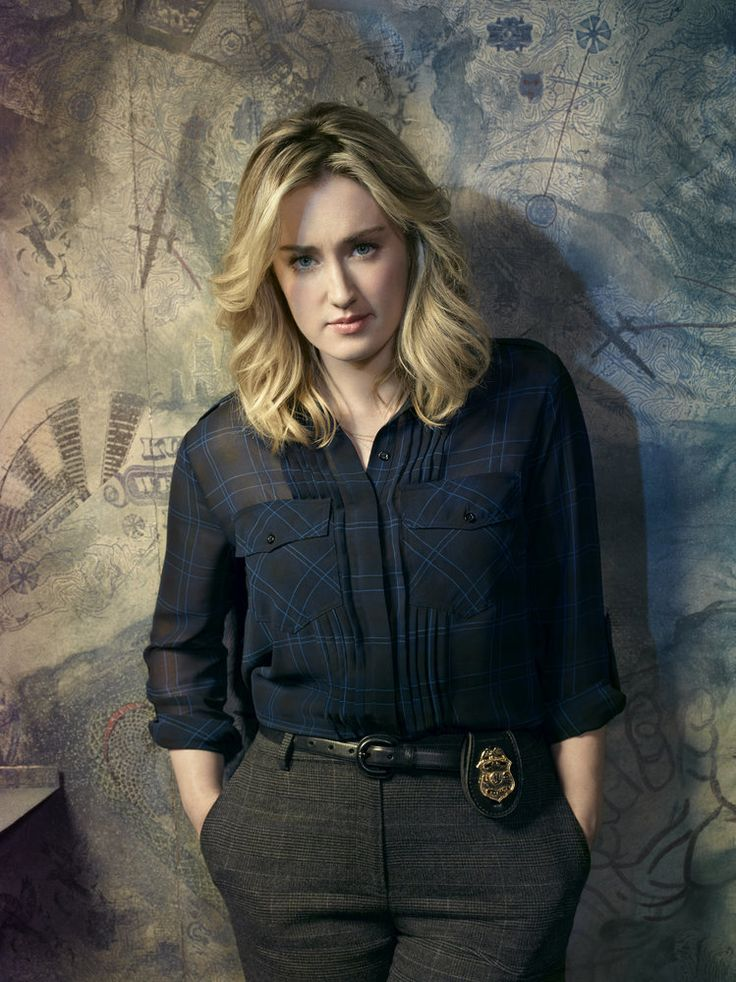 Ashley Johnson - IMDb