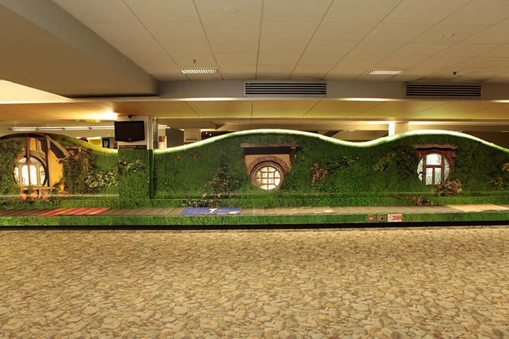 Air New Zealand's new Hobbit-inspired baggage claim. Gorgeous.