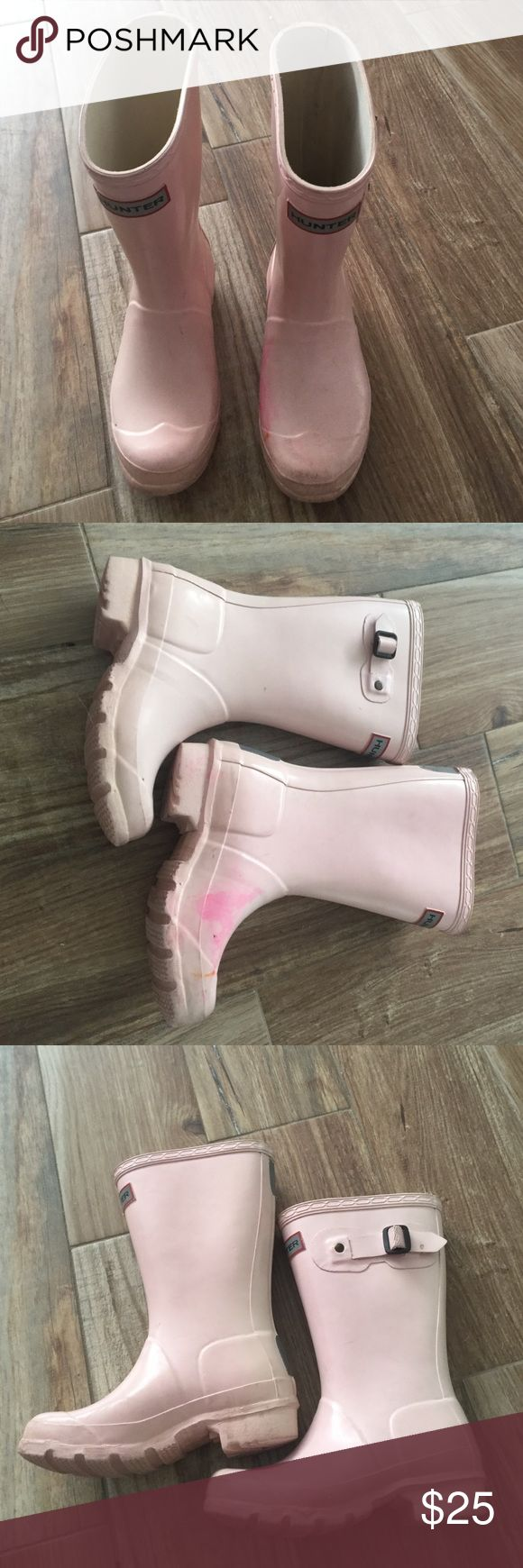 Girls hunter boots Great condition structurally, just some stains on the outside, never tried to clean it. Authentic Hunter Boots Shoes Rain & Snow Boots