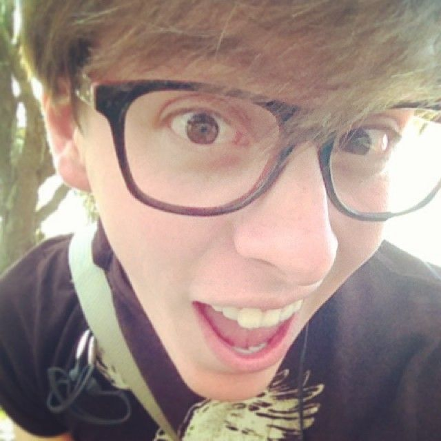 Thomas Sanders is so cute <33<<< cute? he hawt. and i LOVE his Stewie Griffin voice its perfect