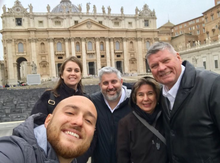 What a great selfie of our guide Luca and our clients on November 14th! After a great morning of learning all about the highlights of the Vatican Museum including the famous Sistine Chapel, our clients got to come out and see the masterpiece that is St Peter's Basilica! For more information about our Vatican Early Entrance Small Group Tour: www.livitaly.com/tour/early-entrance-vatican-small-group-tour/?src=pinterest