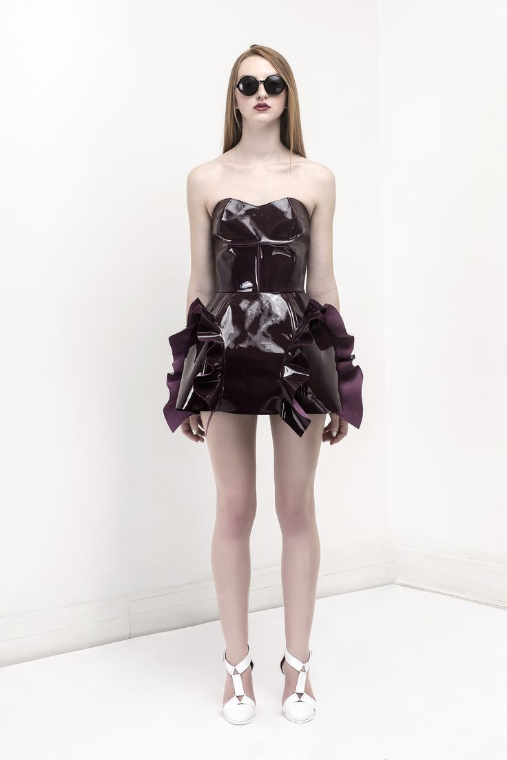 Tough Corset Ruffle Glossy Dress / Glossy Leather Bordo