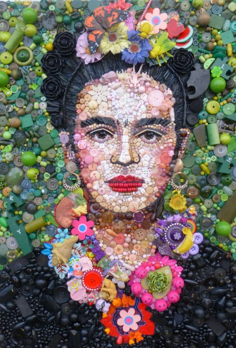 Art to make you smile! Button Frida portrait by Jane Perkins.